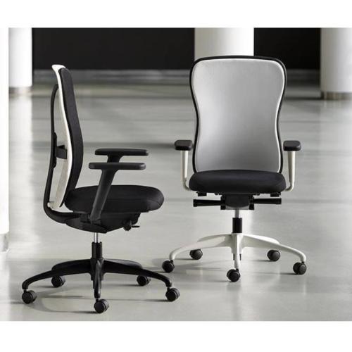 moving bureaustoel flexa fn02 white - Visite d'usine chez notre partenaire MOVING, fabricant italien 100% de fauteuils de bureau